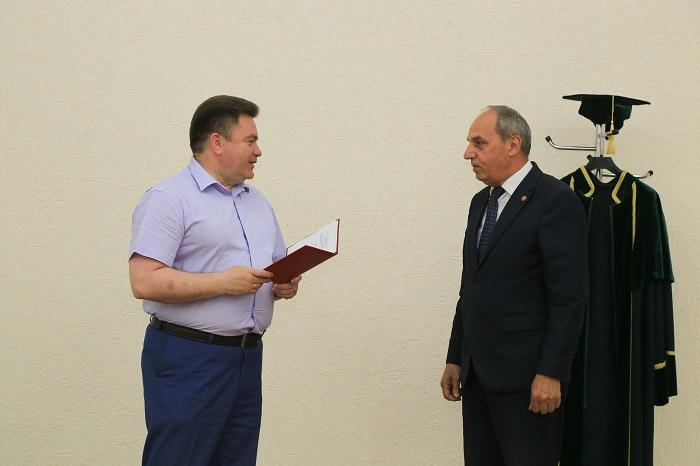 """Azərbaycanlı alim Belarus Dövlət Kənd Təsərrüfatı Akademiyasının """"Fəxri doktoru"""" seçilib"""