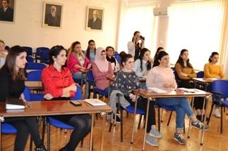 AMEABotanika İnstitutunda elektron məlumat bazaları haqqında seminar keçirildi